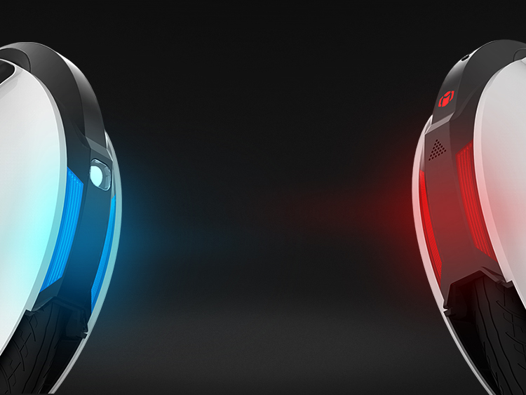 Blue front and red rear. Safer riding with glamorous lamps.